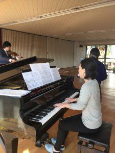 二神塾幼稚舎でのコンサートの写真1